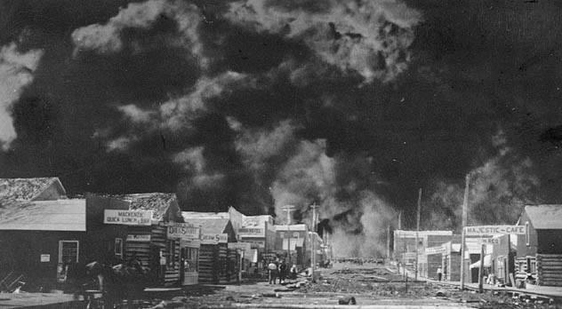 حريق بوركوباين العظيم - كندا سنة 1911