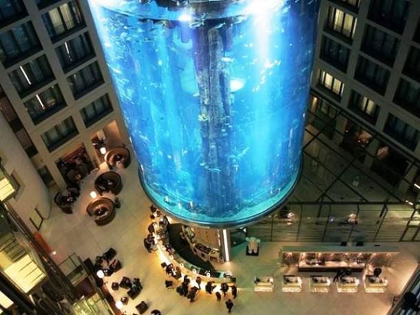 حوض أسماك فندق Radisson Blu في برلين