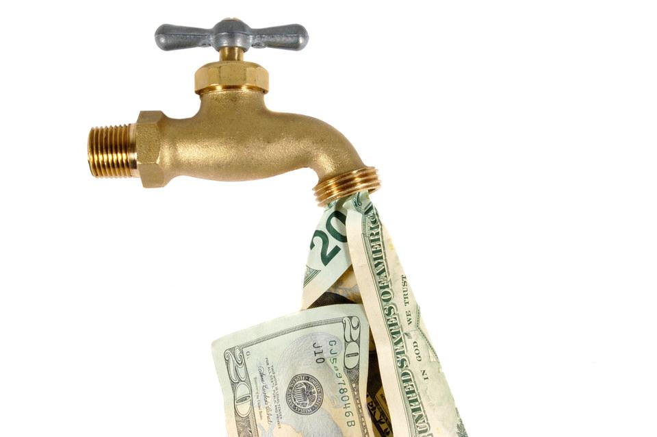 العمل على الاهتمام بالتدفق النقدي