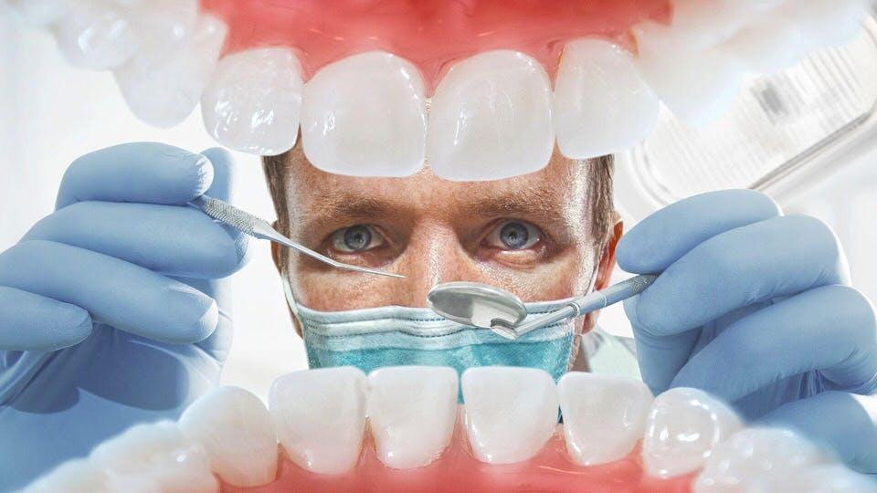 الأسنان واللثة