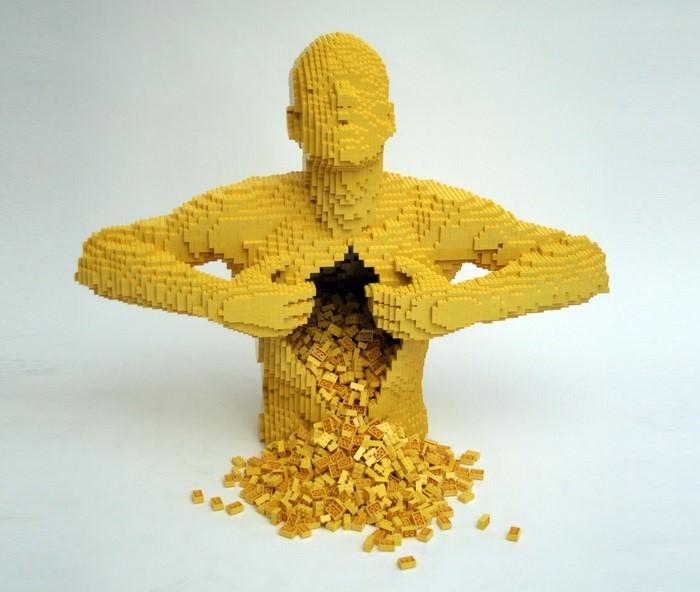 التمثال الأصفر