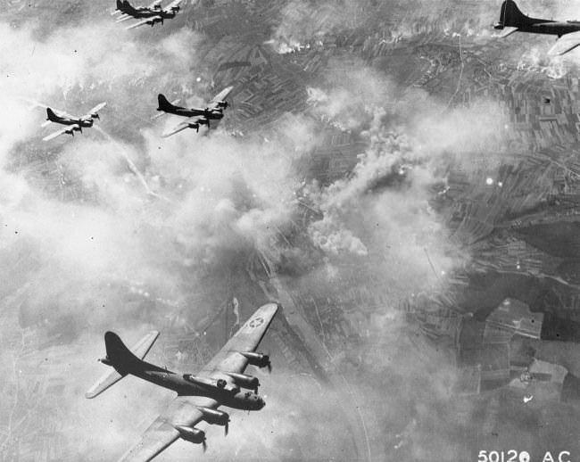 الغارة الجوية الثانية على شوينفورت - الحرب العالمية الثانية سنة 1943