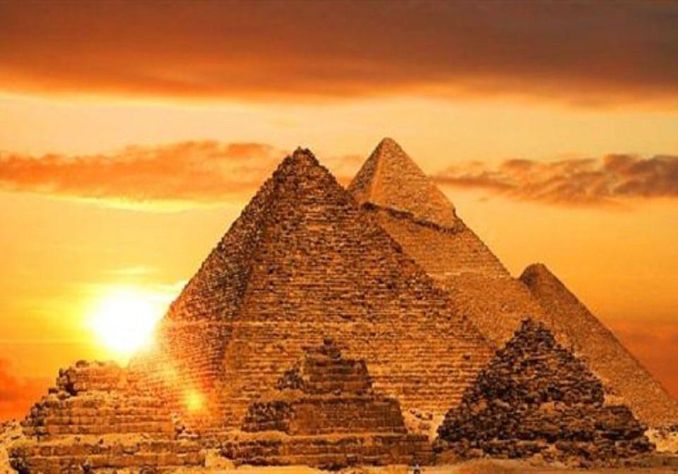 أهرامات الجيزة- مصر
