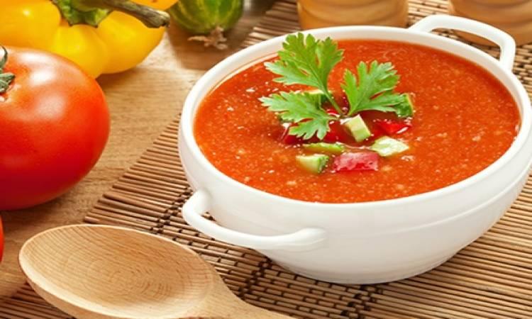 حساء جازباتشو الإسباني