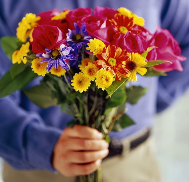 73% من الرجال يقومون بشراء الزهور في عيد الحب