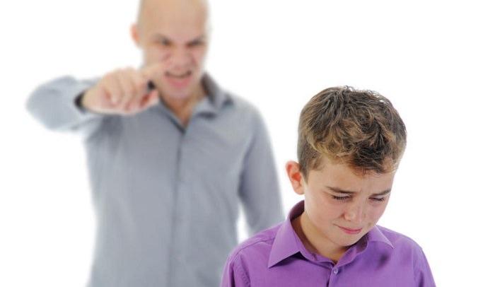 المحاضرات والأوامر بدلاً من لغة الحوار