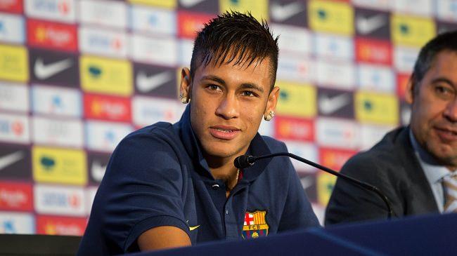 نيمار يدعو أصدقاءه على نفقة برشلونة