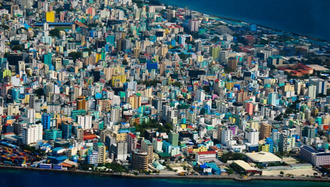 المالديف - 300 كم مربع