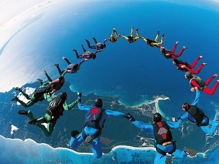 القفز بالمظلات - معدل الوفيات 1 من كل 133 ألف