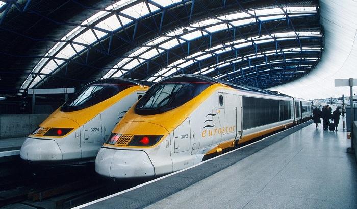قطار Eurostar 373 في المملكة المتحدة - 335 كم في الساعة