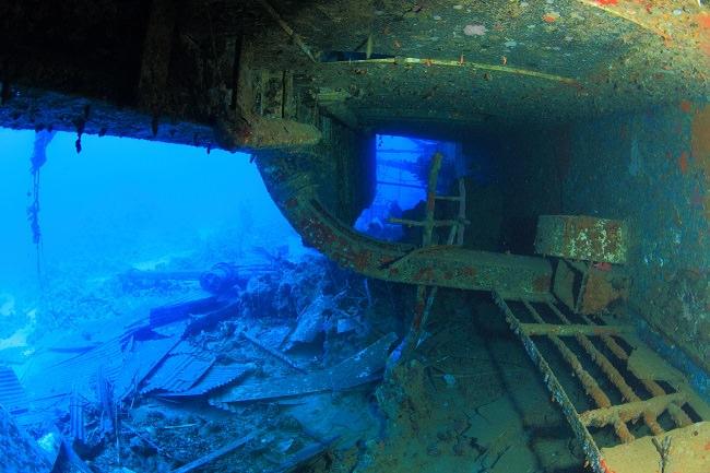 غرق عبارة سالم إكسبرس سنة 1991 - عدد الوفيات 476 شخص