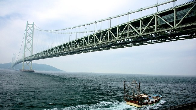 جسر أكاشي كايكيو - مضيق أكاشي، اليابان