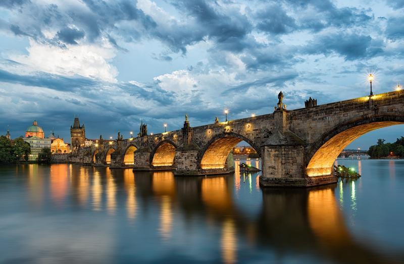 جسر كارل الرابع (براغ)