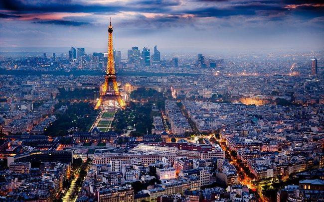 فرنسا - 932 مليون دولار