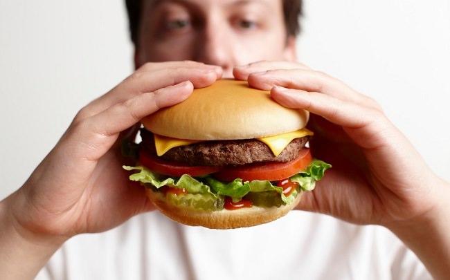 المأكولات الغنية بالدهون تُبطل مفعول الفياجرا