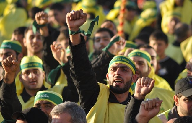 إيران والعراق وحزب الله - 15،000 مقاتل